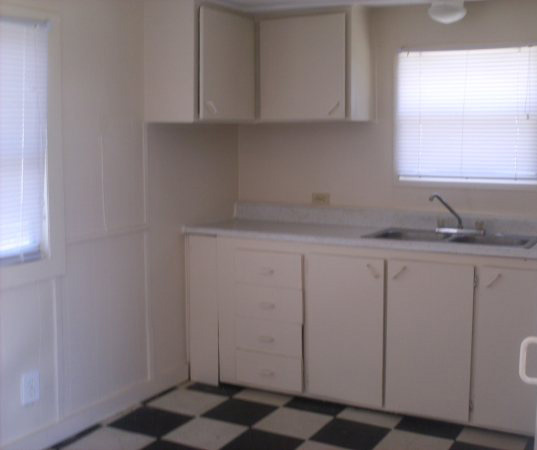 Apartments For Rent In Fort Myers: 2177 Gish Kitchen
