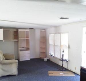 7683 Breeze living room