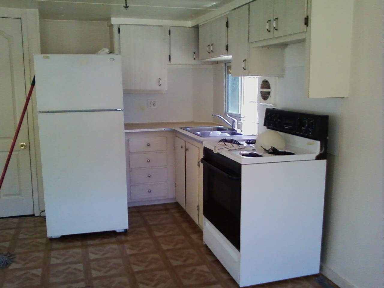 8045 mcdaniel kitchen